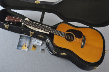 Martin D-18 Authentic 1939 VTS Aged Acoustic Guitar #2233931 - Case