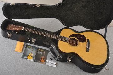 Martin 000-18 Standard Acoustic Guitar #2356514 - Case