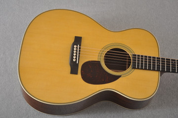 Martin OM-28 Orchestra Model Acoustic Guitar #2354437 - Top