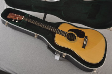 Used Martin HD-28 Dreadnought Acoustic Guitar #2251978 - Case