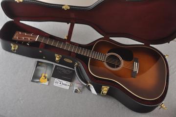 Martin Custom HD Style 28 Marquis Ambertone GE Adirondack #2372954 - Case