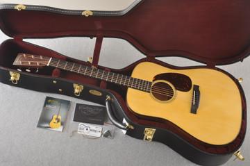 Martin Custom Dreadnought Style 18 GE Adirondack Waverly #2386330 - Case