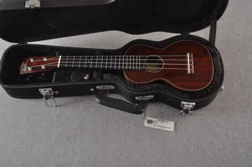 Eastman Soprano Ukulele EU3S Solid Mahogany Top Back and Sides - View 2