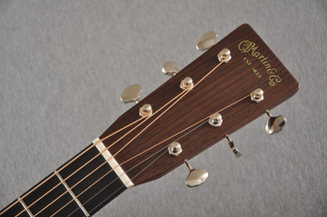 Martin HD-28 Dreadnought Acoustic Guitar #2412065 - Headstock