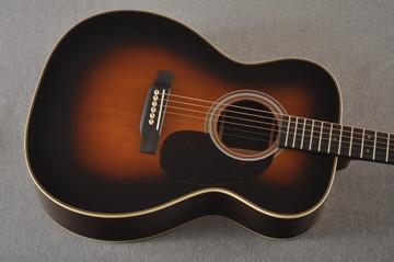 Martin Custom 000 Style 28 Adirondack Sunburst Guitar #2439240 - Top