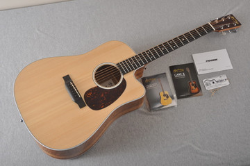 Martin Road Series - Acoustic Electric Guitar DC-13E - 2262348 - View 2