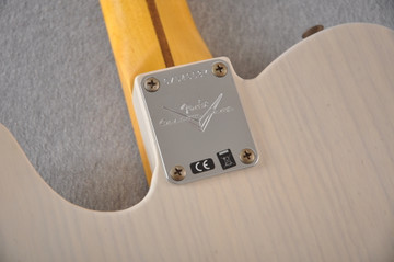 Fender Custom Shop 1957 Telecaster Journeyman Relic White Blonde - View 4