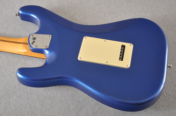 Fender American Ultra Stratocaster HSS Guitar - Cobra Blue - View 11