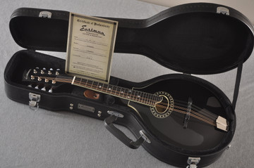 Eastman MD404 Black Mandolin A Style Oval Hole Solid Spruce Top - View 2