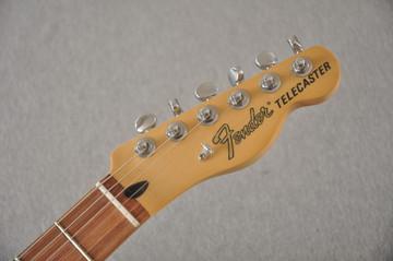 Fender Deluxe Nashville Tele - Daphne Blue Telecaster - View 3