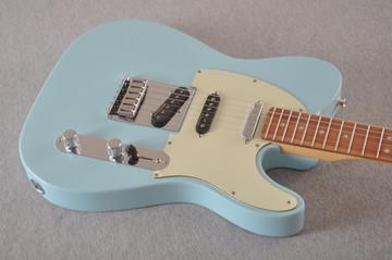 Fender Deluxe Nashville Tele - Daphne Blue Telecaster - View 7