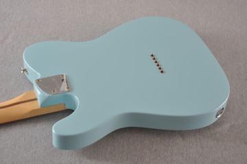 Fender Deluxe Nashville Tele - Daphne Blue Telecaster - View 5