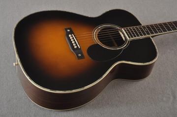 Eastman E40OM Acoustic Guitar Orchestra Model Adi Top Sunburst