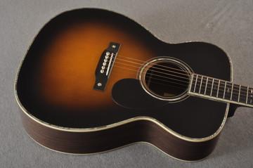 Eastman E40OM Acoustic Guitar Orchestra Model Adi Top Sunburst - View 5