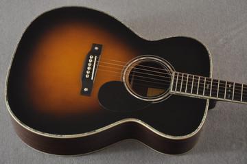 Eastman E40OM Acoustic Guitar Orchestra Model Adi Top Sunburst - View 8