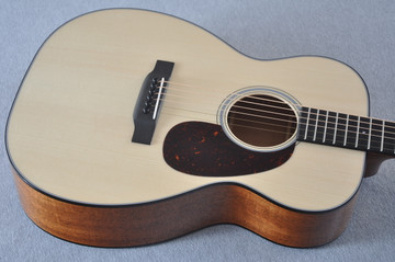 Martin Custom Shop 00-18 Adirondack Spruce Top Acoustic Guitar #2146974 - Top
