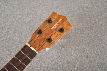 Kamaka Soprano Ukulele Standard HF-1 - Made in Hawaii - 200714 - View 3
