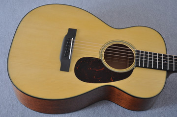 Martin Custom Shop 0-18 Adirondack Spruce Acoustic Guitar #2164198 - Top