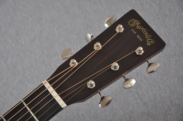 Martin Custom Shop 0-18 Adirondack Spruce Sunburst Guitar #2186826 - Headstock