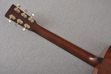 Martin Custom 00 Style 18 Adirondack Spruce Ambertone Acoustic #2260971 - Back Neck