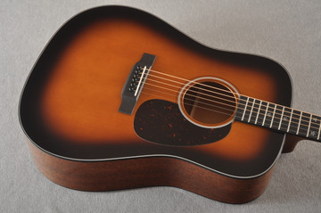 Martin Custom 18 Dreadnought Stars Adirondack Sunburst #2276252 - Top Angle