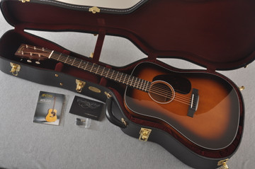 Martin Custom 18 Dreadnought Stars Adirondack Sunburst #2276252 - Case