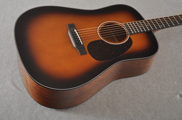 Martin Custom 18 Dreadnought Stars Adirondack Sunburst #2276252 - Beauty