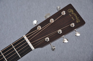Martin Custom Shop 0-18 Adirondack Spruce Acoustic Guitar #2207085 - Headstock