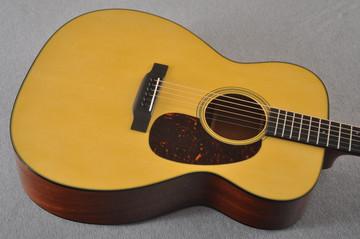 Martin Custom 0000 Style 18 Adirondack Sinker Mahogany #2264266 - Top Angle