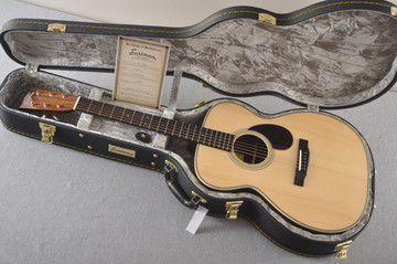 Eastman OM Acoustic Guitar Orchestra E20OM Adi Top Hand Scalloped - View 2
