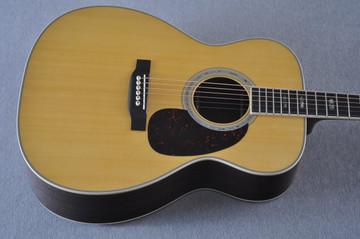Martin J-40 (2018) Standard Acoustic Guitar #2227279 - Top