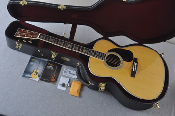 Martin J-40 (2018) Standard Acoustic Guitar #2227279 - Case