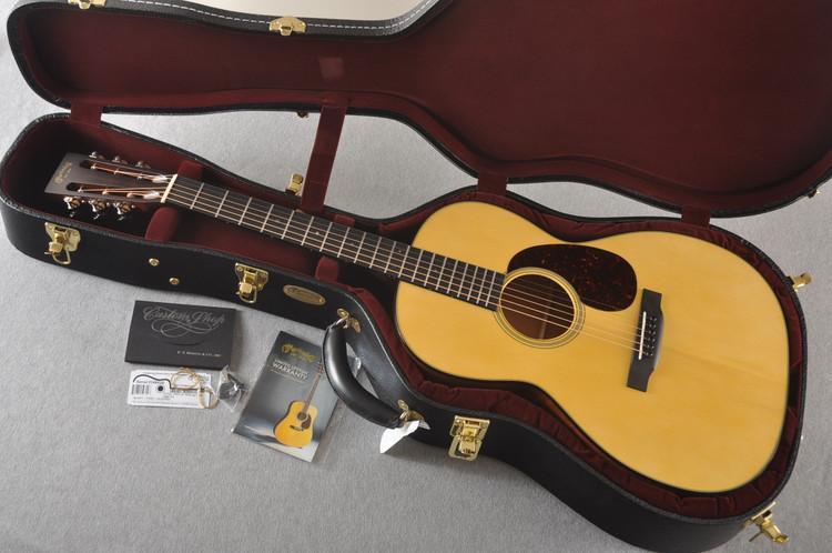 Martin 000 Style 18 GE 12 Fret Adirondack #2346030 - Case