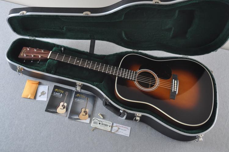 Martin D-28 (2017) 1935 Sunburst Standard Dreadnought Guitar #2141391 - Case