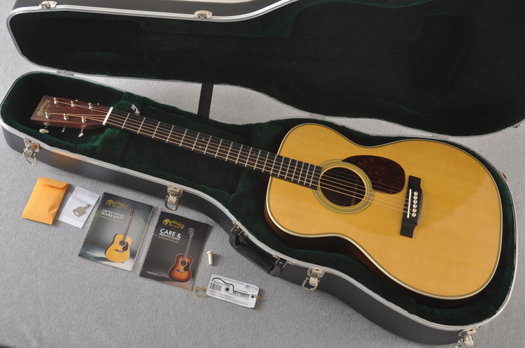 Martin OM-28 Orchestra Model Acoustic Guitar #2278406 - Case