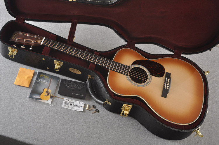 Martin Custom 000 Style 28 Adirondack Toasted Burst #2260970 - Case