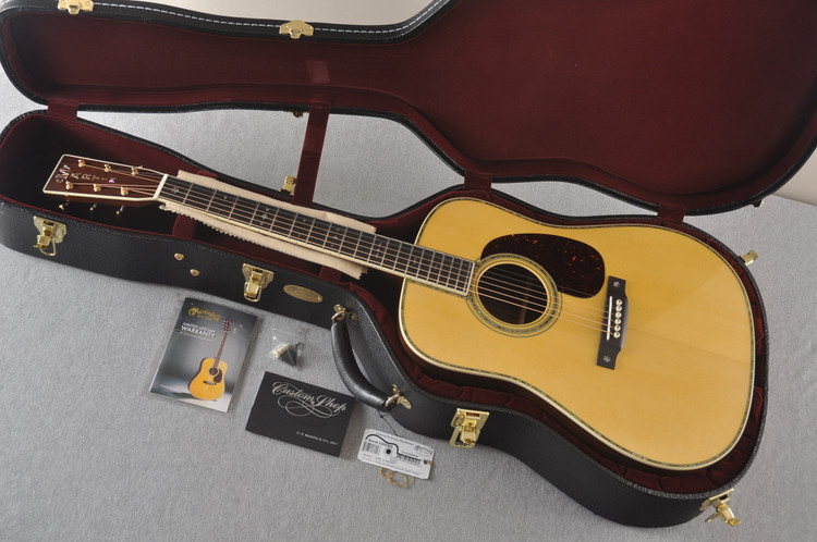 Martin Custom 42 Style Dreadnought Adirondack #2260969 - Case