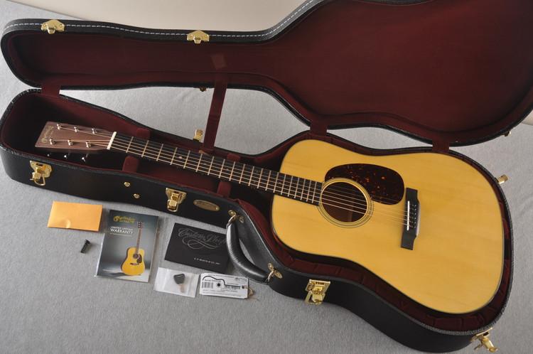 Martin Custom Dread Style 18 GE Adi Sinker Mahogany EVO #2305130 - Case