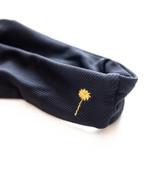 These black 80ies inspired, high leg cut bikini bottoms come with a rib texturedlycra