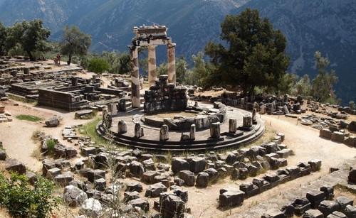 Delphi Talisman - Glass Horn Pendant with Oracle of Delphi Rock