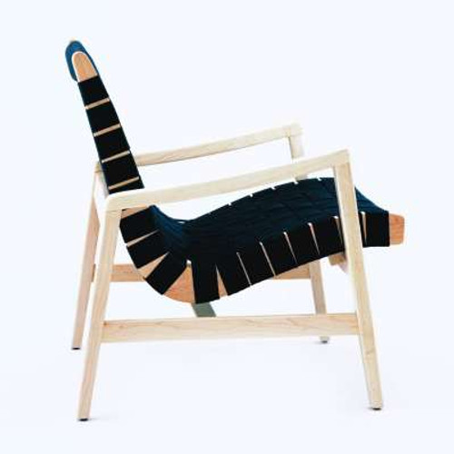 Risom Lounge Chair with Arms by Knoll