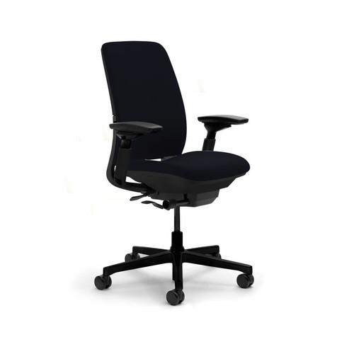 Amia Chair