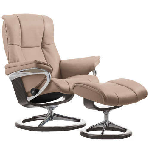 Stressless Mayfair Chair and Ottoman, Medium with Signature Base by Ekornes