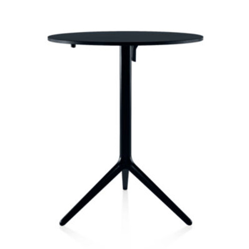 Central Table by Magis