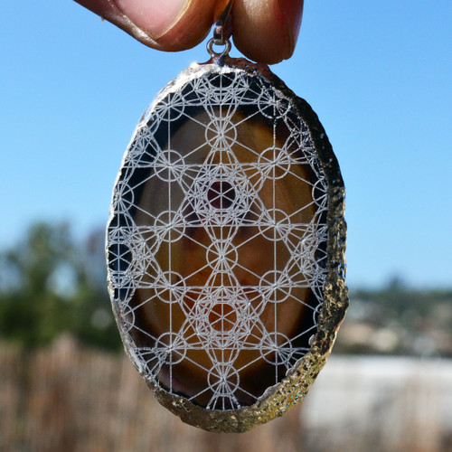 Metatrons Cube Grid Engraved Agate Pendant - Silver Plated