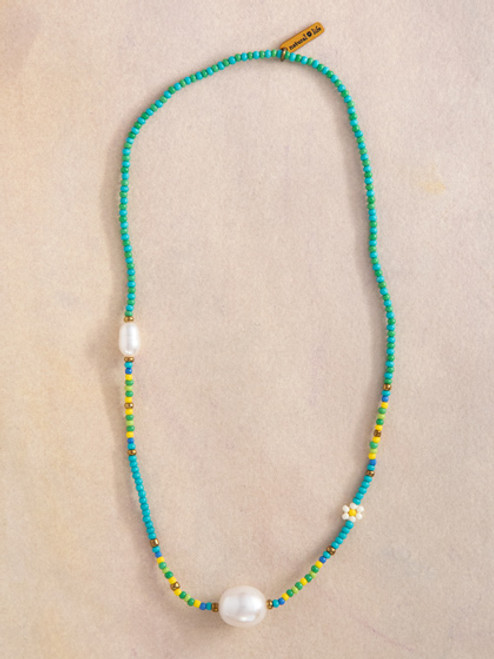 Green Daisies & Pearl Bracelet Choker