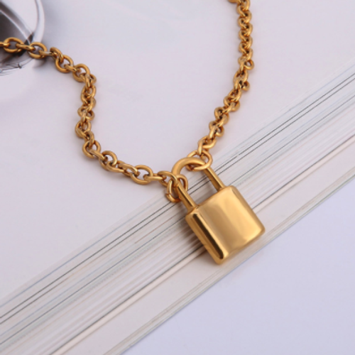 GoldLock Pendant Chain Necklace
