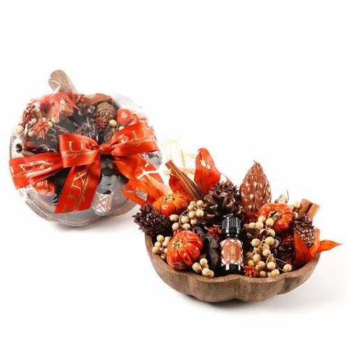 Heirloom Pumpkin Fragranced Decorative Botanicals In A Wooden Pumpkin Bowl