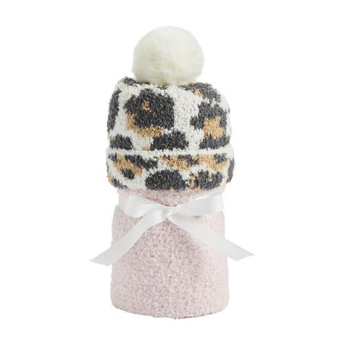 Pink Blanket & Leopard Hat