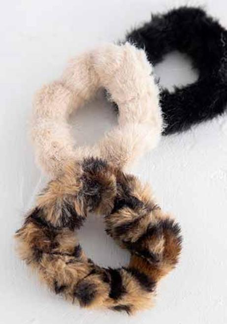 Fuzzy Scrunchie Black Tan Set